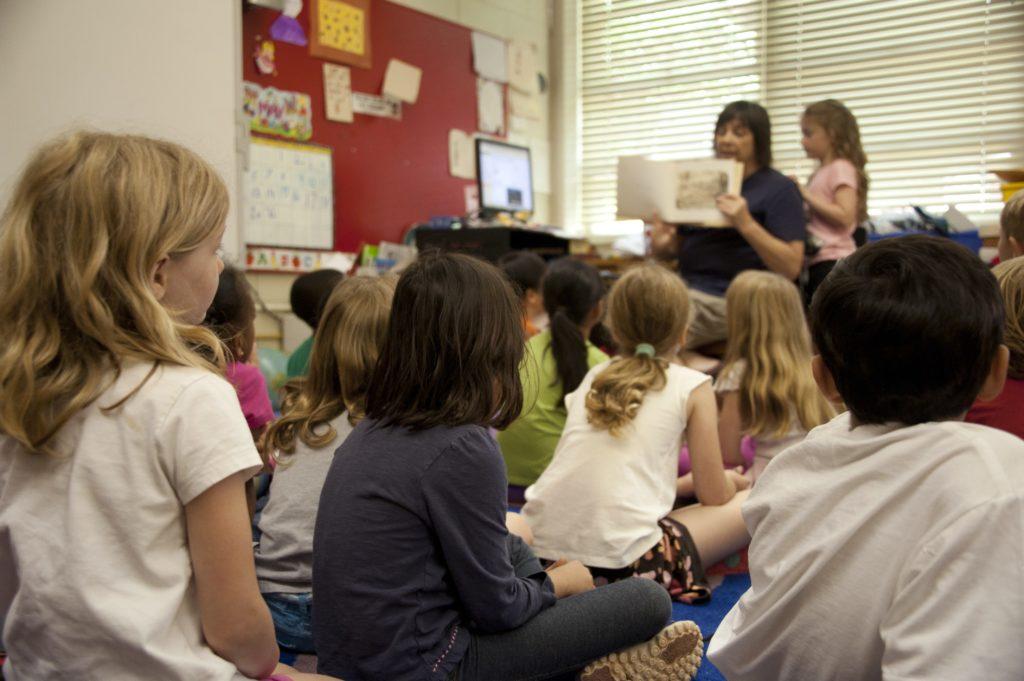 Szkoła językowa czy korepetycje? Jak najlepiej uczyć się języka obcego?