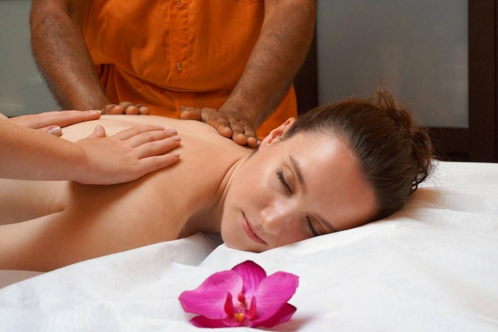 Co obejmuje oraz jak wygląda masaż całościowy?
